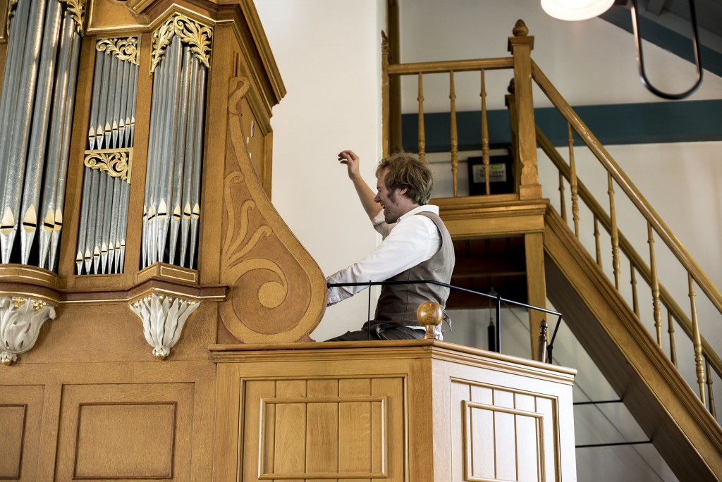 Frank Nicolas playing the Church Organ